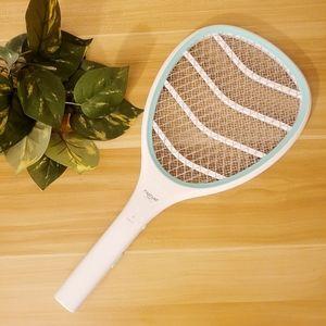 Mosquito zapper racket grab & zap